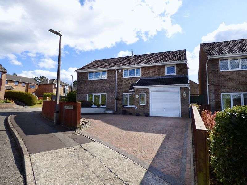 4 Bedrooms Detached House for sale in Taliesin Place, Swansea