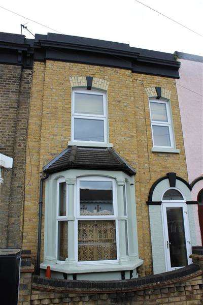 3 Bedrooms Terraced House for sale in Ham Park Road, Stratford, London