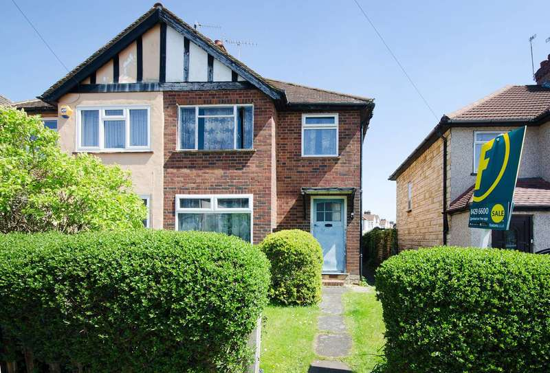 3 Bedrooms Semi Detached House for sale in Clewer Crescent, Harrow Weald, HA3