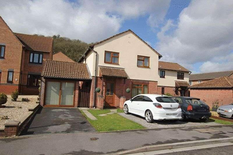 4 Bedrooms Detached House for sale in LON Y PLAS, JOHNSTOWN, CARMARTHEN