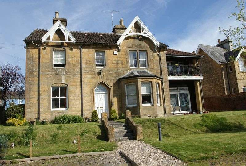 1 Bedroom Flat for sale in Sherborne