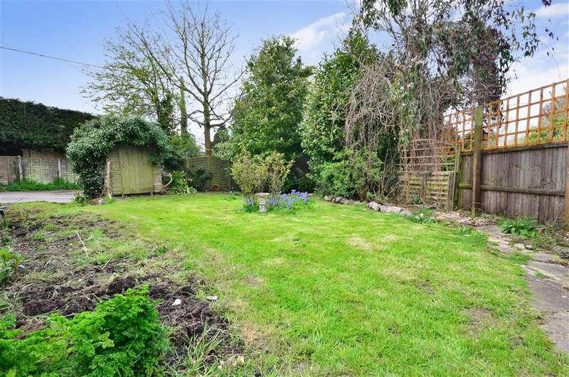 2 Bedrooms Terraced House for sale in Stone Street, Westenhanger, Hythe, Kent