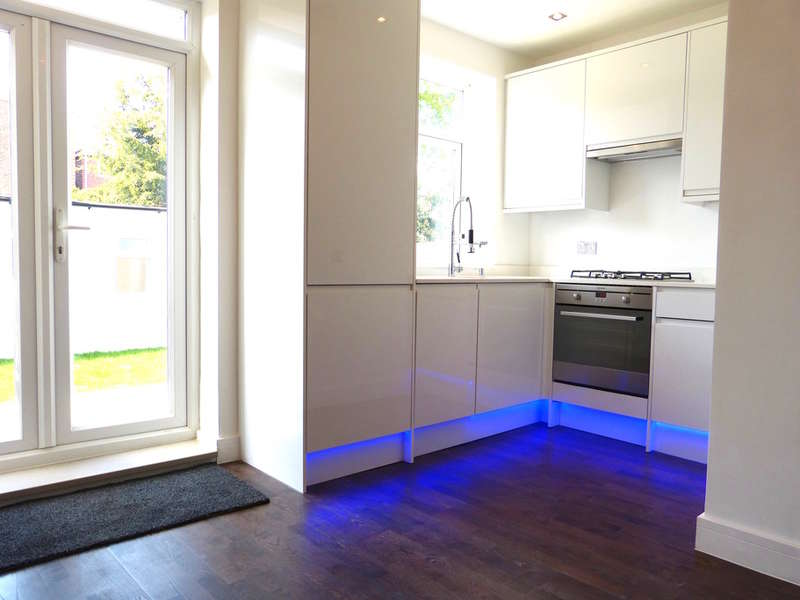 1 Bedroom Flat for sale in RUSSELL ROAD, HENDON, London, NW9