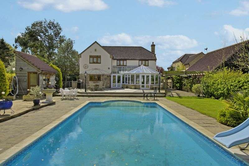 5 Bedrooms Detached House for sale in St. Ives Road, Hemingford Grey