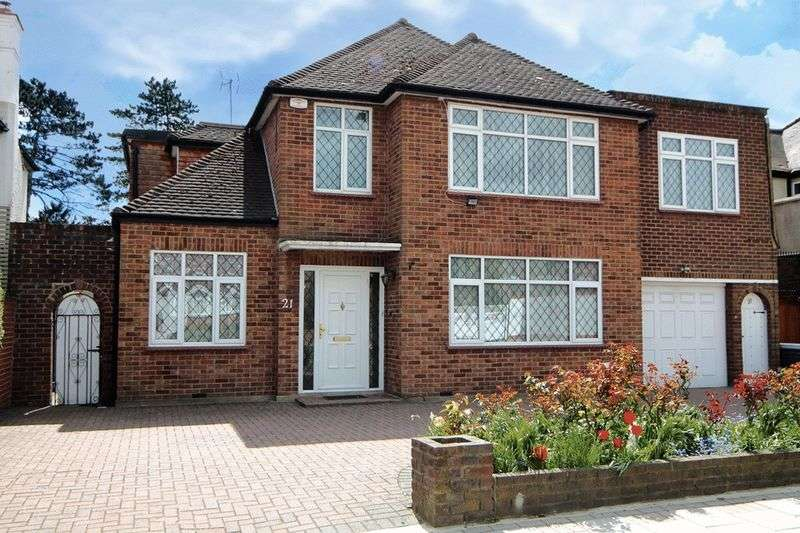 5 Bedrooms Detached House for sale in Dalkeith Grove, Stanmore