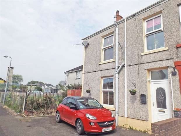 3 Bedrooms Semi Detached House for sale in Johns Villas, Llandeilo, Carmarthenshire