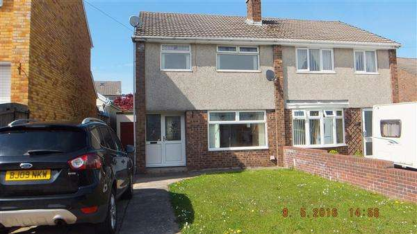 3 Bedrooms Semi Detached House for sale in Claverton Close, Gwaun Miskin, Beddau