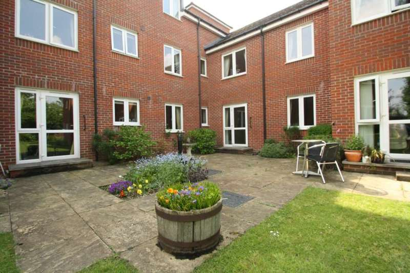 1 Bedroom Apartment Flat for sale in Reading Road, Winnersh