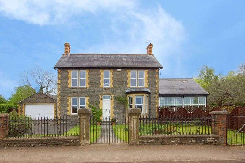 3 Bedrooms Detached House for sale in Verdun House, Wotton Road, Iron Acton, Bristol BS37 9XD