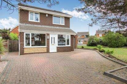 3 Bedrooms Detached House for sale in Anson Close, Lytham St. Annes, Lancashire, FY8