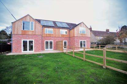 3 Bedrooms House for sale in Back Lane Cottages, Beckford, Tewkesbury, Worcestershire