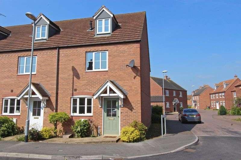 3 Bedrooms Semi Detached House for sale in Kestrel Drive, Bourne