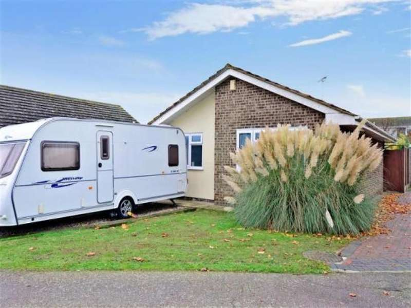2 Bedrooms Detached Bungalow for sale in Blackburn Road, Herne Bay, CT6