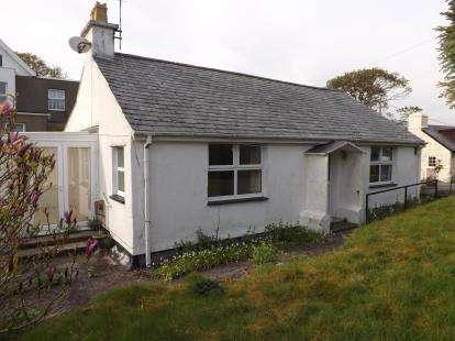 2 Bedrooms Bungalow for sale in Pentrefelin, Criccieth, Gwynedd, LL52