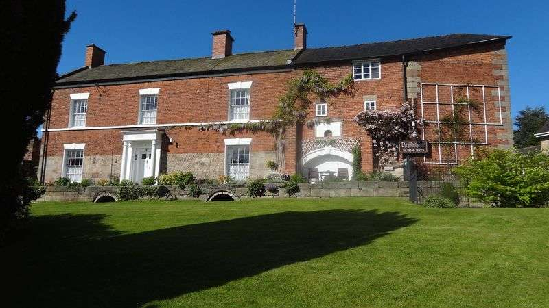 11 Bedrooms Property for sale in Malthouse Road, Alton