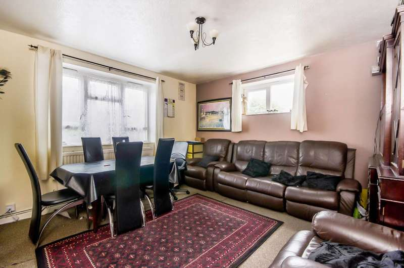 3 Bedrooms Flat for sale in Saxby Road, Brixton, SW2