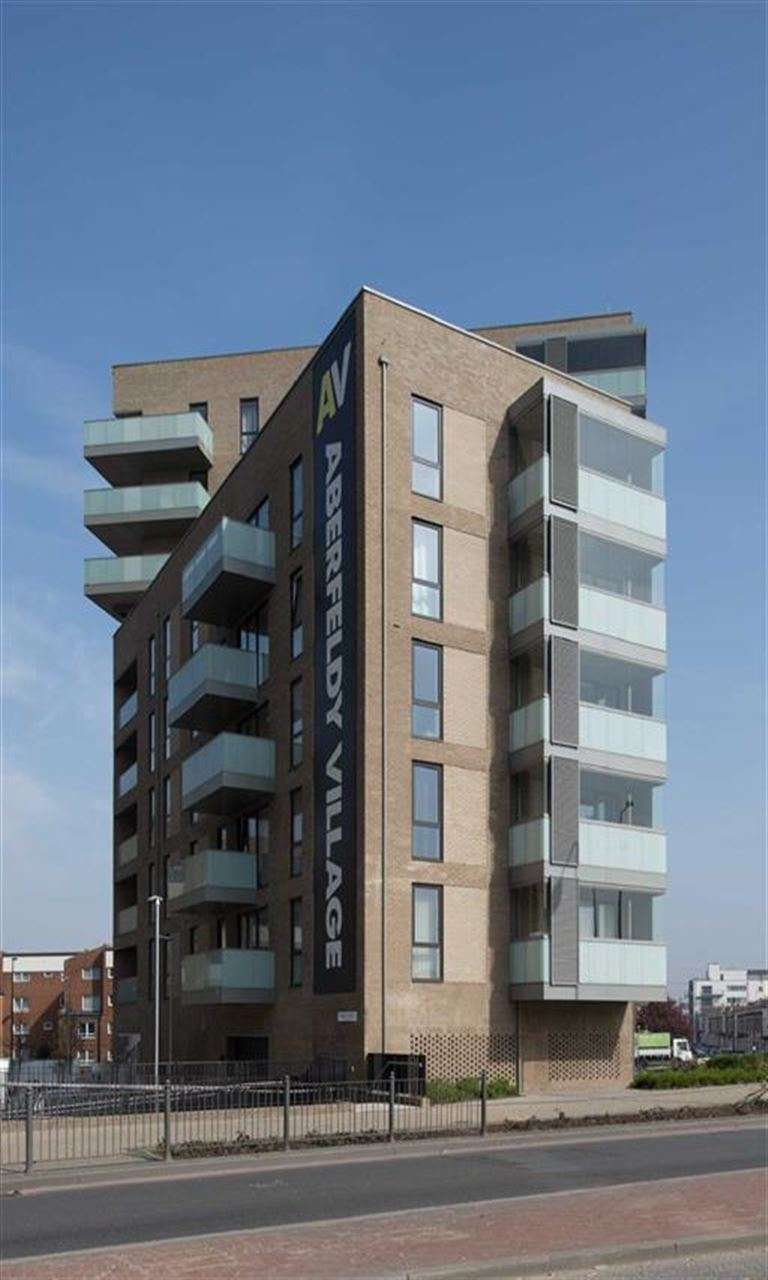 1 Bedroom Property for sale in Block D, Canning Town, London, E14