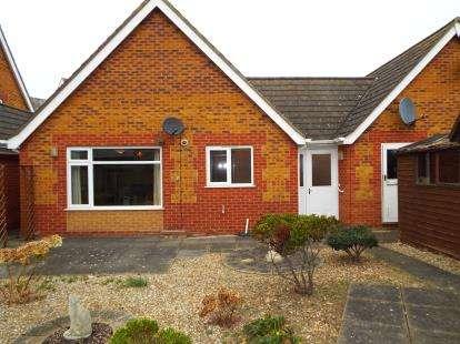 2 Bedrooms Bungalow for sale in Valentine Road, Hunstanton, Norfolk