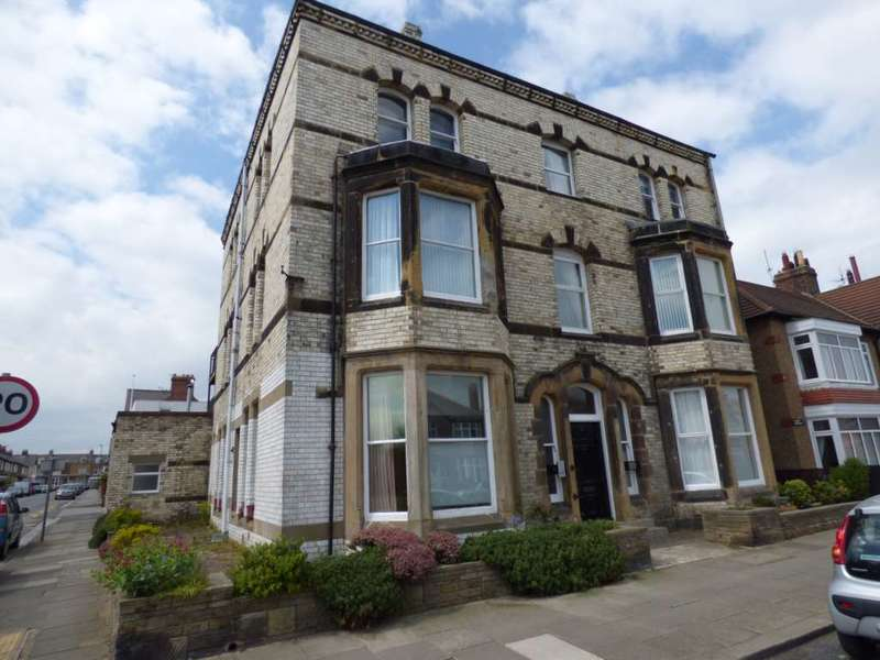 2 Bedrooms Flat for sale in Claire House, Saltburn By The Sea