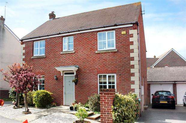 4 Bedrooms Detached House for sale in Windmill Close, Bramley Green, Angmering, West Sussex, BN16