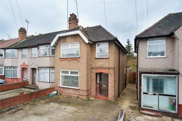 3 Bedrooms Semi Detached House for sale in Robin Hood Way, Greenford, Greater London