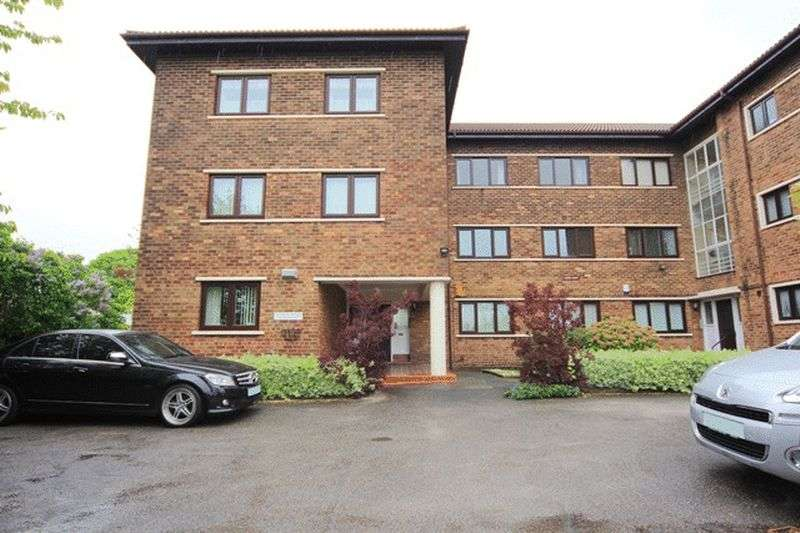 2 Bedrooms Flat for sale in Lance Lane, Wavertree, Liverpool, L15