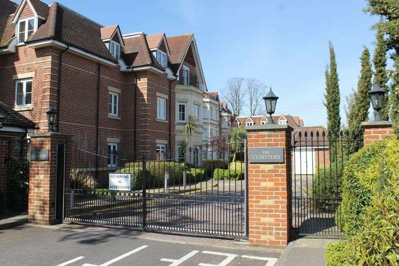 2 Bedrooms Flat for sale in Burpham