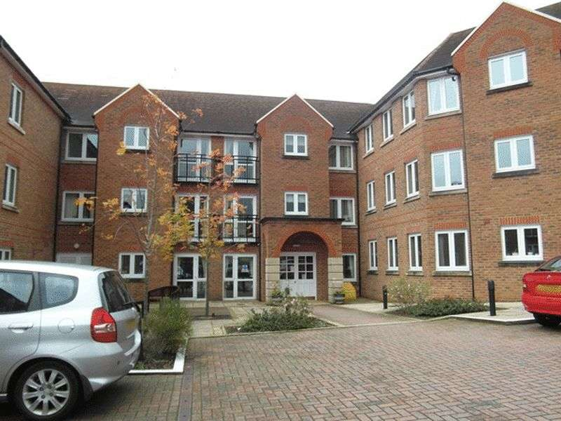 1 Bedroom Retirement Property for sale in St. Agnes Road, EAST GRINSTEAD, West Sussex
