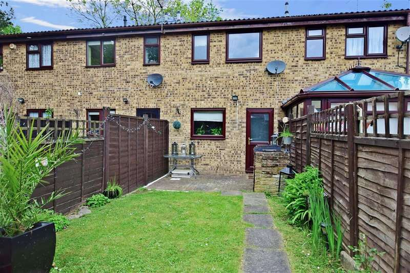 2 Bedrooms Terraced House for sale in The Briars, West Kingsdown, Sevenoaks, Kent