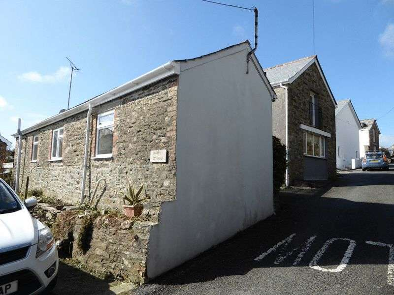 3 Bedrooms Semi Detached House for sale in 7 Trefrew Road, Camelford