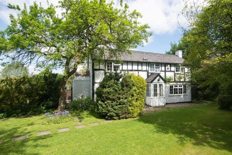 2 Bedrooms House for sale in Bearwood, Pembridge, Herefordshire HR6 9ED