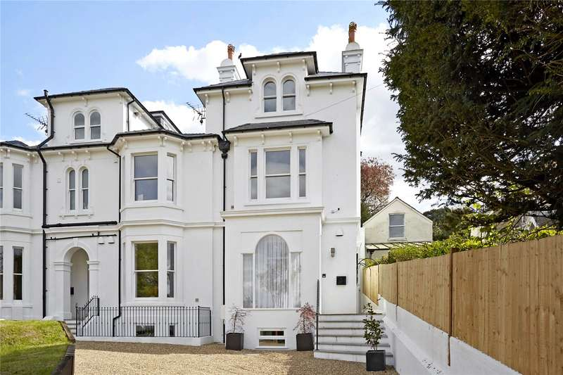 5 Bedrooms House for sale in Harrow Road West, Dorking, Surrey, RH4