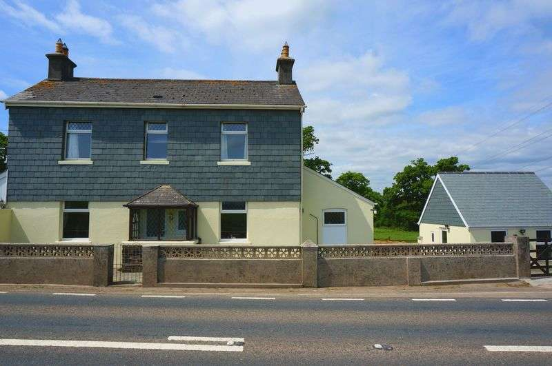 4 Bedrooms Detached House for sale in Hatt, Saltash
