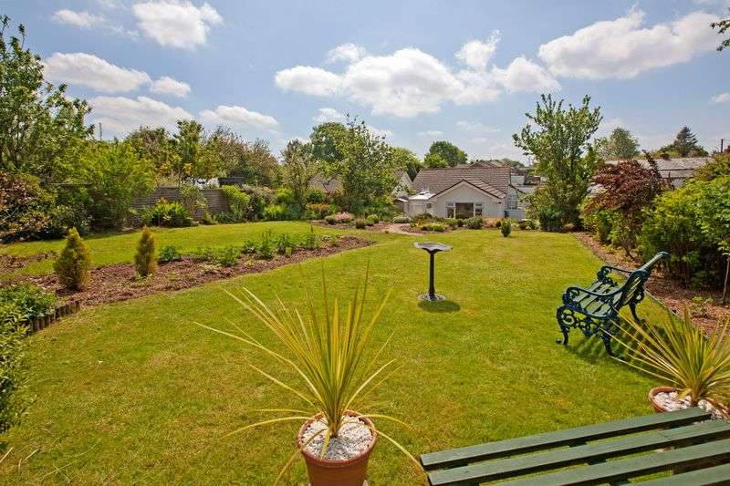 2 Bedrooms Detached Bungalow for sale in Witheridge