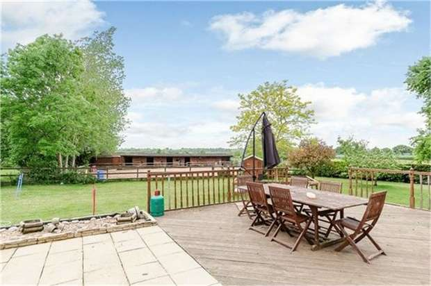 4 Bedrooms Detached House for sale in Hill View Road, Strensham, Worcester
