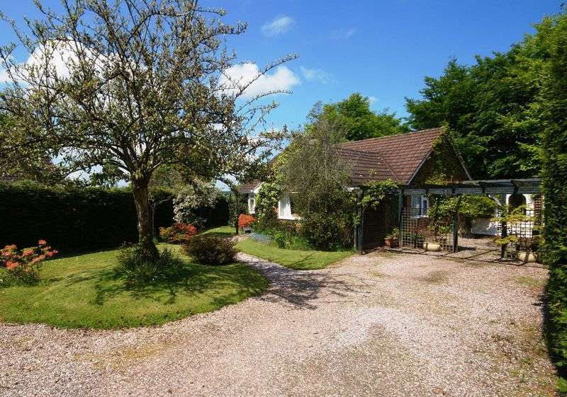3 Bedrooms Detached Bungalow for sale in Pennymoor, Tiverton