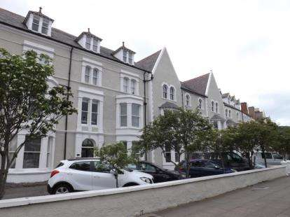 3 Bedrooms Flat for sale in St Annes Apartments, 7 - 8 Augusta Street, Llandudno, Conwy, LL30