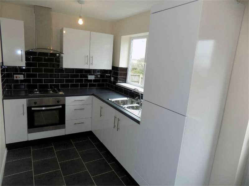 2 Bedrooms Semi Detached House for sale in Deepdale Road, Breightmet, Bolton, Lancashire