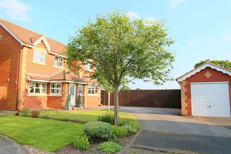 4 Bedrooms Detached House for sale in Blunstone Close, Wistaston