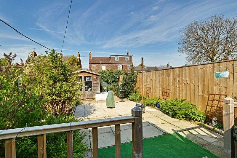3 Bedrooms Terraced House for sale in Lee Street, Hull