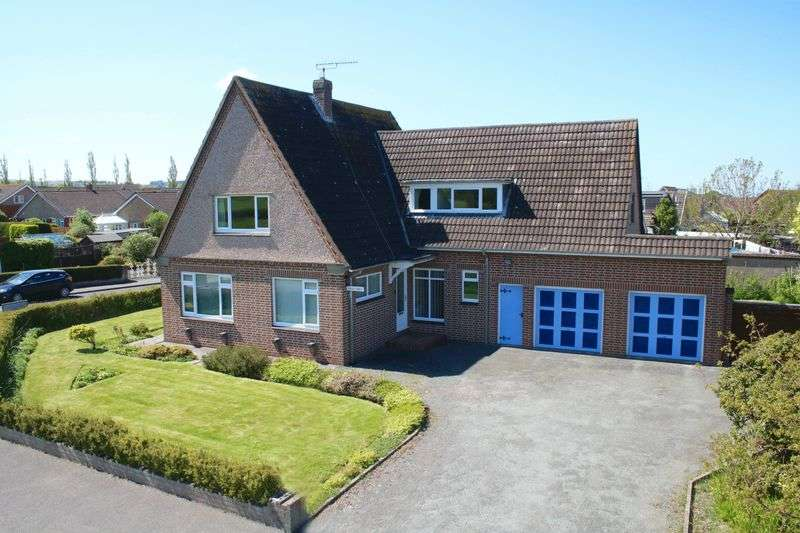 4 Bedrooms Detached Bungalow for sale in Allt Goch, St. Asaph
