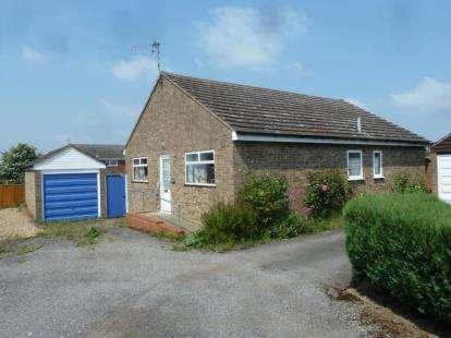 3 Bedrooms Bungalow for sale in Harwich, Essex