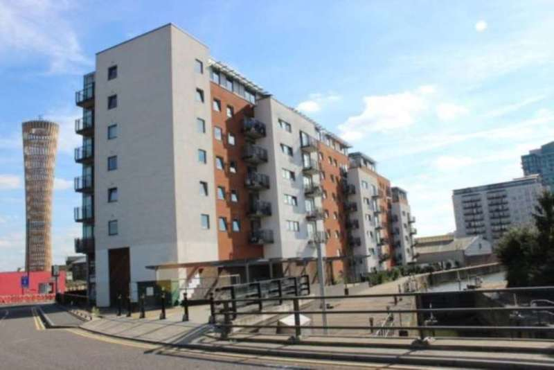 2 Bedrooms Flat for sale in High Street, Stratford