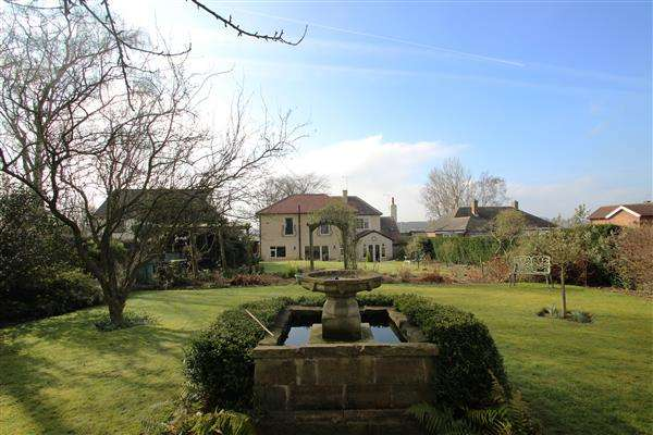 4 Bedrooms Detached House for sale in 'Royd Cottage' Royd Moor Lane, Hemsworth