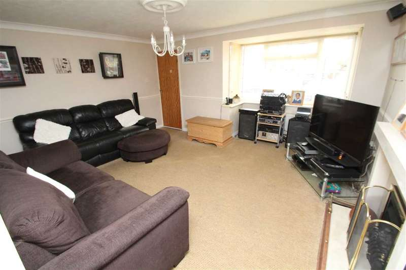 4 Bedrooms Detached House for sale in Layzell Croft, Great Cornard