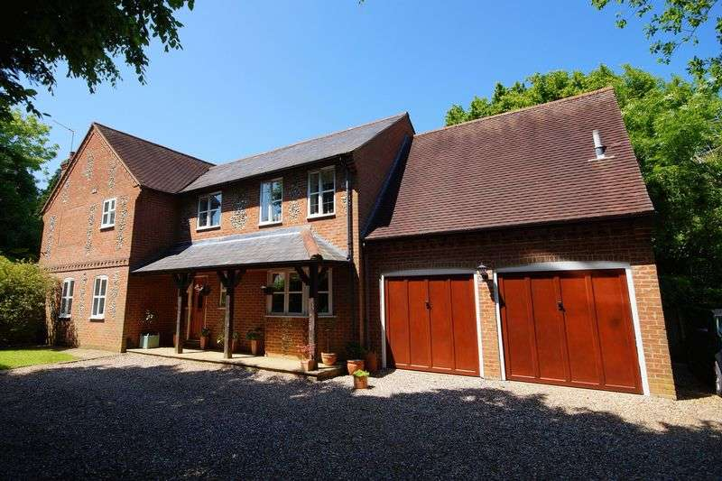 5 Bedrooms Detached House for sale in Great Kingshill