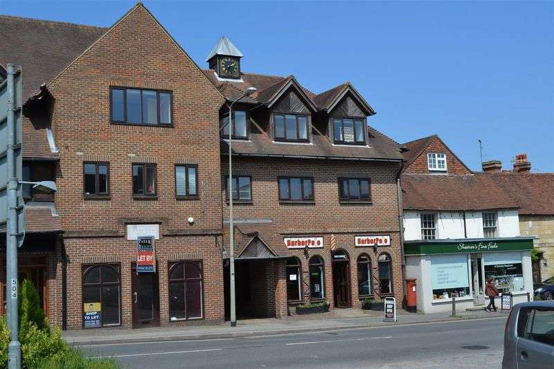 2 Bedrooms Flat for sale in London Road, Forest Row
