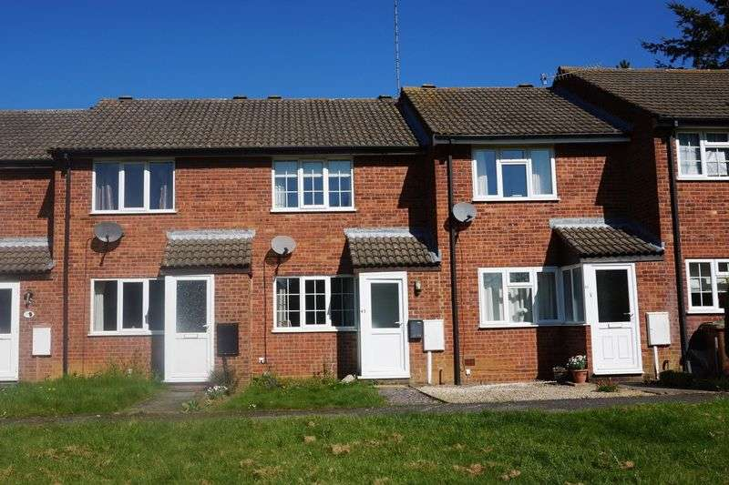 2 Bedrooms Terraced House for sale in St Catherines Close, Daventry, NN11 4SB