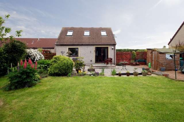 5 Bedrooms Detached House for sale in East End, Star, Glenrothes, Fife, KY7 6LQ