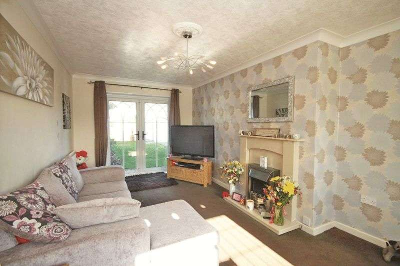 2 Bedrooms Semi Detached House for sale in SAMUEL AVENUE, GRIMSBY